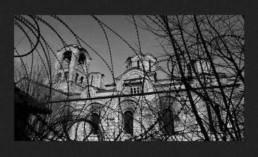 """Радун: Црква и корона, """"љигави медији"""" и бранитељи Васкрса"""